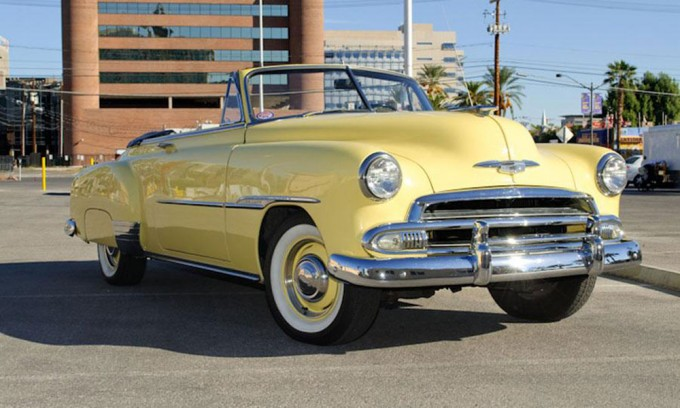 Steve-McQueens-1951-Chevrolet-Styleline-DeLuxe-Convertible-Coupe-2-680x408.jpg.pagespeed.ce.43RnEA18zU