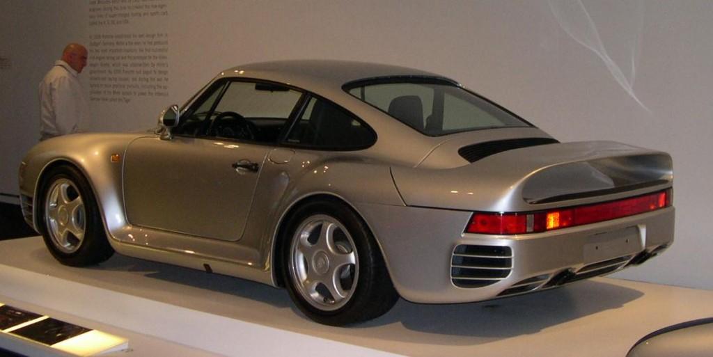Porsche_959_34_rear